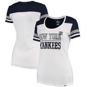 New York Yankees Majestic Women's Overwhelming Victory T-Shirt - White/Navy