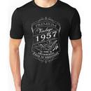 60th Birthday Gift T-Shirt Vintage Limited Born 1957 Edition Unisex T-Shirt